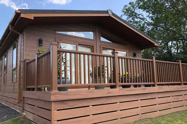 Lodge & Static Caravan Decking‎
